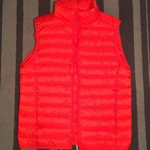Uniqlo down vest - brand new